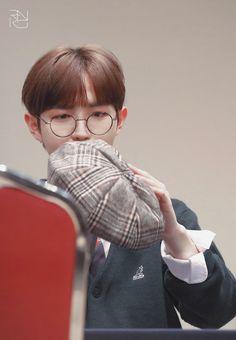 "Ranko on Twitter: ""… "" Jaehwan Wanna One, Always Remember You, Kim Jaehwan, Produce 101, Seong, I Smile, Are You Happy, Thankful, Shit Happens"