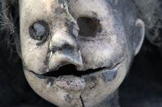Eerie   Creepy   Surreal   Uncanny   Strange   Macabre   不気味   Mystérieux   Strano   Photography    by arddu