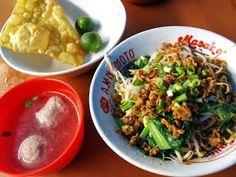 Resep Bakmi Bangka   Bakmi bangka merupakan makanan favorit saya, kebetulan deket rumah ada penjual bakmi bangka yg memang sudah lama m...