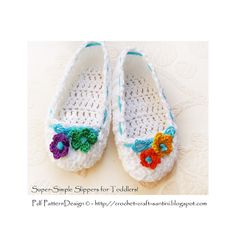 SUPER SIMPLE SOPHIE and ME-Slippers for toddlers! An absolutely basic pattern, easy for anyone to work, also beginners. And you'll have them in ALL sizes! Baby to adults!