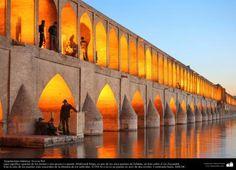 Marco da cidade de Isfahan, a ponte Si-o-se Pol «ponte dos trinta e três arcos» - Irã   Galería de Arte Islámico y Fotografía