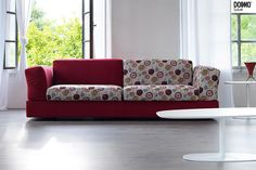 Doimosalotti - divano under rosso e fantasia - Doimocasamia Sofa, Couch, Leo, Furniture, Home Decor, Fantasy, Settee, Settee, Decoration Home