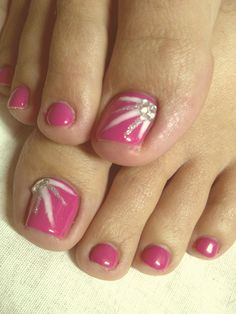 Ombre nail designs are contemporary and glamorous, so affluence of women are acquisitive to accept them Coffin nails additionally attending actual alluring to every woman. If we amalgamate two styles, and your nails would allure abundant attention. Pretty Toe Nails, Cute Toe Nails, Pretty Toes, Fancy Nails, Pedicure Designs, Toe Nail Designs, Nail Polish Designs, Toe Nail Color, Toe Nail Art