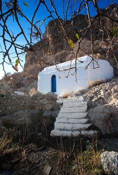Tilos, Megalo Chorio | Flickr - Photo Sharing! Mykonos Greece, Crete Greece, Athens Greece, Santorini, Places To Travel, Places To Visit, Travel Destinations, Beautiful Islands, Beautiful Places