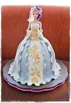 Barbie Cake with Stencil