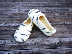 wet felted wool slippers Birch Bark / BērzaTāss pamana.lv