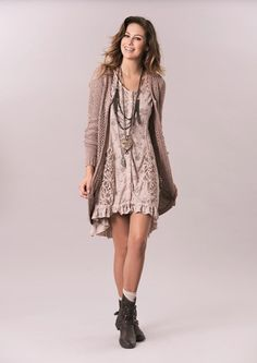 CREAM LOVELY DRESS 640034