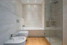 Casas de banho modernas por LLIBERÓS SALVADOR Arquitectos