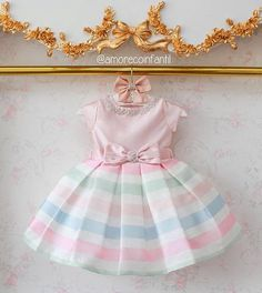 This dress looks like a marshmallow. Fashion Kids, Baby Girl Fashion, Little Girl Dresses, Girls Dresses, Flower Girl Dresses, Toddler Dress, Toddler Girl, Baby Gown, Mode Hijab