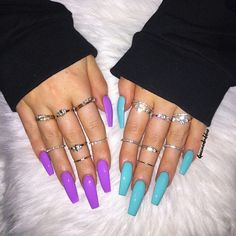 "If you're unfamiliar with nail trends and you hear the words ""coffin nails,"" what comes to mind? It's not nails with coffins drawn on them. It's long nails with a square tip, and the look has. Perfect Nails, Gorgeous Nails, Pretty Nails, Aycrlic Nails, Swag Nails, Coffin Nails, Stiletto Nails, Edgy Nails, Shiny Nails"