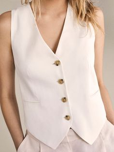 The most elegant styles at Massimo Dutti. Discover the latest clothing, shoes and accessories for women, men or kids from the Spring Summer 2019 collection. Vest Outfits For Women, Cool Outfits, Casual Outfits, Fashion Outfits, Western Outfits, Capsule Wardrobe Essentials, Sleeveless Blazer, Coats For Women, Winter Vest