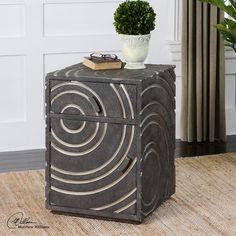 Toma Modern Side Table - Click to enlarge