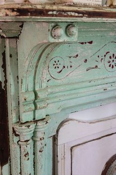 It's all about the details. Faux Fireplace Mantels, Shabby Chic Fireplace, Shabby Chic Farmhouse, Cottage Decor, Farmhouse Fireplace, Architectural Salvage, Shabby Chic Christmas, Decorating Rules, Farmhouse Fireplace Mantels
