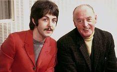 Paul McCartney with his father 1967 John Lennon Paul Mccartney, Paul And Linda Mccartney, Beatles Guitar, The Beatles, Paul Is Dead, Beatles Sgt Pepper, Richard Starkey, Beatles Photos, Sir Paul
