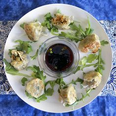 Vegetable shu mai is a delicious Chinese dumpling filled with cabbage carrot shitaki mushrooms garlic ginger scallions and sauce. Sushi Roll Recipes, Dumpling Filling, Chicken Spring Rolls, Chinese Dumplings, Vegetarian Cabbage, Stuffed Mushrooms, Stuffed Peppers, Asian Recipes, Ethnic Recipes