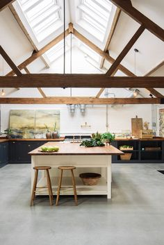 The Cattle Shed in Wighton is an old, carefully renovated cow shed and now has a lovely Real Shaker kitchen fitted in it! Bright and airy with polished concrete floors, this is the perfect example of a modern rustic kitchen.