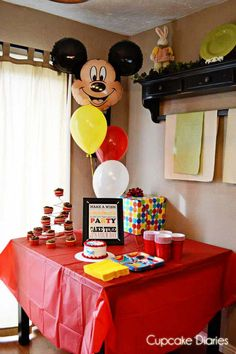 Ideas birthday ideas simple mickey mouse for 2019 Bolo Mickey, Mickey Mouse Clubhouse Birthday Party, Mickey Mouse 1st Birthday, Mickey Mouse Parties, Mickey Party, Baby 1st Birthday, 2nd Birthday Parties, Birthday Ideas, Elmo Party