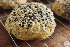 These Everything Bagel topped Cauliflower Rolls are low carb, paleo-friendly, and a perfect roll alternative. Gluten Free Recipes, Low Carb Recipes, Cooking Recipes, Healthy Recipes, Clean Recipes, Healthy Foods, Primal Recipes, Healthy Options, Healthy Eats