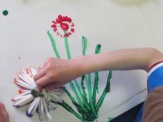 Painting with a bouquet of flowers in preschool | Teach Preschool
