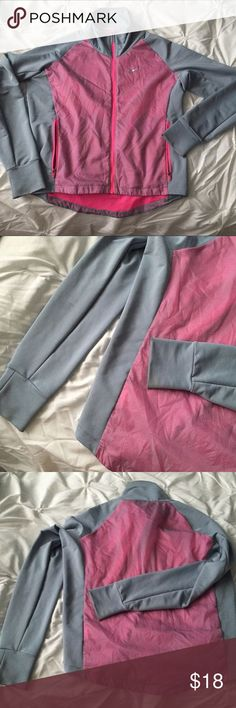 Nike Dri Fit Golf/Workout Jacket Zip Up Gray/Pink size XS ----- ?? All items are from a non-smoking home. ????Item is as described, feel free to ask questions. ?? I am a fast shipper with excellent ratings. ??I love bundles  #GolfExercises
