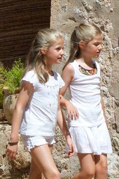 Las actividades extraescolares de los niños reales:  Leonor and Sofia, Spain