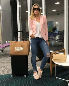 39 Einfaches Airport Women Style mit Jeans und Sneakers - Woman Worlds Outfit Zusammenstellen, Blazer Outfits, Blazer Fashion, Outfit Jeans, Fashion Outfits, Mode Outfits, Fall Outfits, Casual Outfits, Summer Outfits