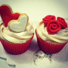 Cupcake para o Dia dos Namorados www.cupcakedavila.blogspot.com