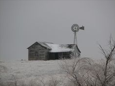 Old House & Windmill by okwest Old Barns, Country Barns, Country Living, Old Windmills, Black And White Sketches, Old Farm Houses, Water Tower, Thing 1, Abandoned Houses