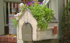 15 Planter Boxes for Your Mailbox