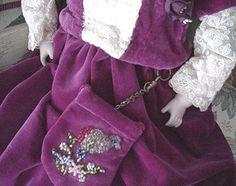 Beaded doll purse http://stores.ebay.com/happyharvesterminiatures