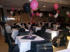 Family Reunion Banquet Centerpieces | Call us today for a one of a kind party!