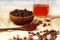 Peelingmaske-mit-Kaffe-selber-Hersteller-Kaffeesatz-Honig