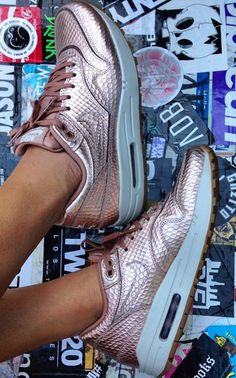 check out 6aa2d 62a14 Nike air max pink gold