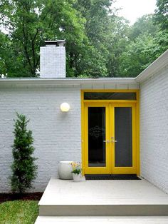 A colorful front door: What are your thoughts on this?
