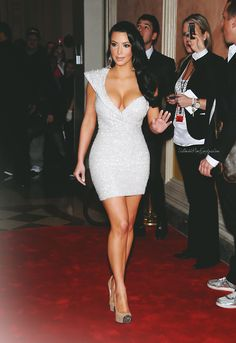 mensclassstyle:  ultimatekimkardashian: New Year's Eve 2010/2011    Xoxo