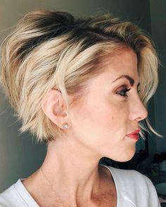 New Pixie Haircut Ideas for 2019 Hair Cute hairstyles for short hair, Pixie bob haircut, Hair cuts - Frisuren 2018 Cute Bob Hairstyles, Short Hairstyles For Women, Long Pixie Hairstyles, Fashion Hairstyles, Hairstyles Pictures, Short Hair Fashion, Hairstyle Ideas, Short Hairstyles For Thin Hair, Bob Style Haircuts
