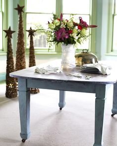An easy table makeover ... #chalk #paint #inspiration from the latest Resene #makeover in the new issue of Good. #interiors #turningthetables #reclaimthat #Sarah_Heeringa