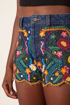 short jeans bordado flor                                                                                                                                                                                 Mais