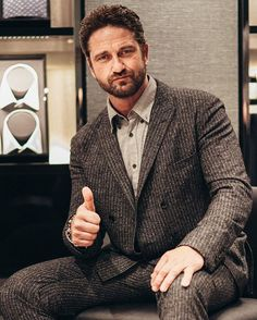 THIS... IS... Gerard Butler