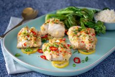 Check out this delicious recipe for Chilli Ginger Steamed Fish with Grilled Chinese Broccoli from Weber—the world's number one authority in grilling. Chinese Broccoli Recipe, Broccoli Recipes, Chilli Recipes, Seafood Recipes, Cooking On The Grill, Cooking Time, Grilled Broccoli, Weber Bbq, Cooking White Rice