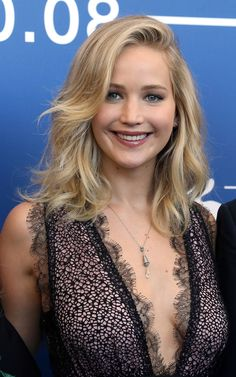 As Jennifer Lawrence steps out at the Venice Film Festival, see her hair style file here: Jennifer Lawrence Photos, Jenifer Lawrence, Jennifer Aniston, Jennifer Lawrence Hairstyles, Katniss Braid, Katniss Everdeen, Beautiful Celebrities, Beautiful Actresses, Beautiful Women