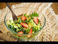Recept na medovo-hořčičnou zálivku využijete do spousty salátů. Tento jednoduchý jsem dělala z polníčku a rukoly. Kevin James, Guacamole, Salsa, Ethnic Recipes, Food, Essen, Salsa Music, Meals, Yemek
