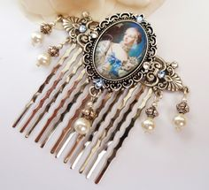 Baroque hair comb in blue silver with shell core by Schmucktruhe