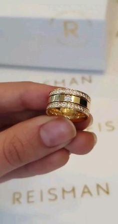 Wedding Ring For Men, Classic Wedding Rings, Wedding Rings Vintage, Wedding Ring Bands, Pearl Necklace Designs, Gold Earrings Designs, Engagement Rings Couple, Vintage Engagement Rings, Mens Gold Rings