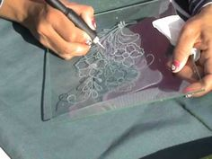 HOW TO CARVE GLASS TRAY WITH DREMEL OR SIMILAR COMO TALLAR BANDEJA DE CR...