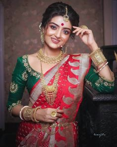 Pattu Saree Blouse Designs To Rock Your Desi Bridal Look - Tikli Indian Bridal Photos, Indian Wedding Gowns, Bengali Wedding, Bengali Bride, Indian Bridal Outfits, Indian Bridal Fashion, Saree Wedding, Bouquet Wedding, Bengali Saree