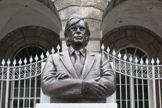 DR. SOLLARI ALLEGRO - Busto em bronze, com base em granito. 2016