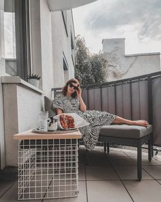"""Gefällt 89 Mal, 12 Kommentare - Vienna Fashion Waltz (@viennafashionwaltz) auf Instagram: """"Ich bin so gerne draussen am Balkon, daher habe ich mir vor dem Sommer eine kleine Loungegarnitur…"""" Outfits, Instagram, Style, Fashion, Balconies, Womens Fashion, Summer, Swag, Moda"""