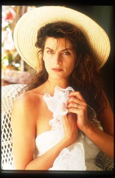 Kirstie Alley - Full Size