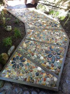 Einfahrten Garten-Mosaik-Kiesel-farbig-Blumen,  #blumen #einfahrten #farbig #garten #GartenMosaikKieselfarbigBlumen #kiesel #mosaik